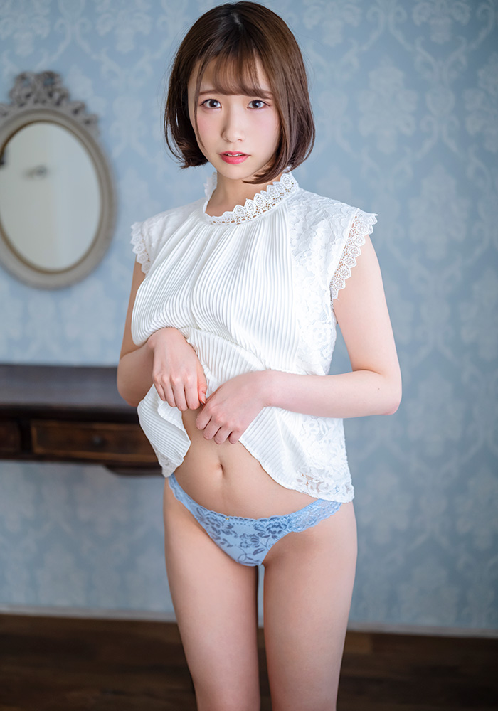 孤独的美少女⋯TOEIC 800分、一个人在东京唸书的大学生「真白美生」想要人抱抱而下海
