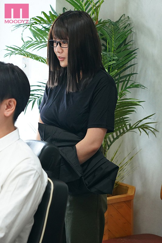 剪加洗还有「吹」!那间一次1000日币还可以中出的理髮厅来了I罩杯师傅!