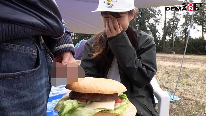 这个汉堡店员好厉害!全程野外露出还吞精!